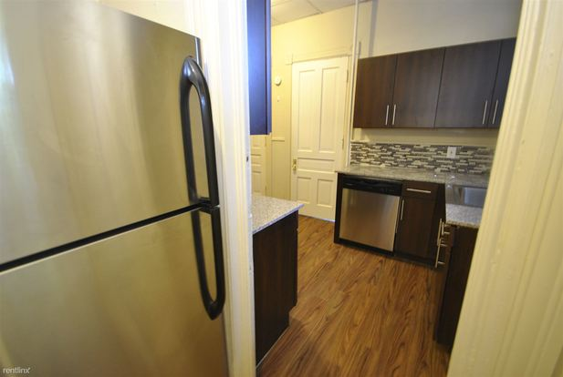 1 Bedroom 1 Bathroom Apartment for rent at 624 Packard St in Ann Arbor, MI