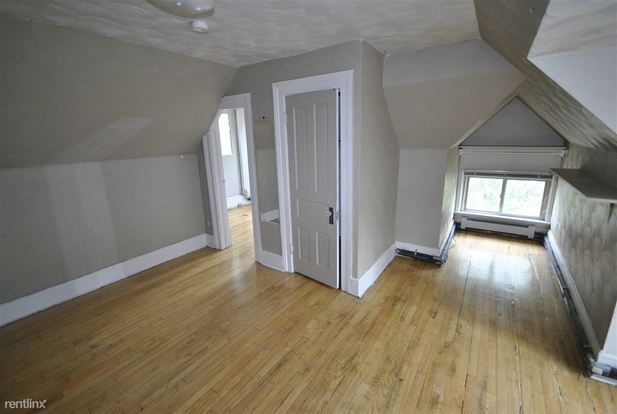 2 Bedrooms 1 Bathroom Apartment for rent at 618 Packard in Ann Arbor, MI