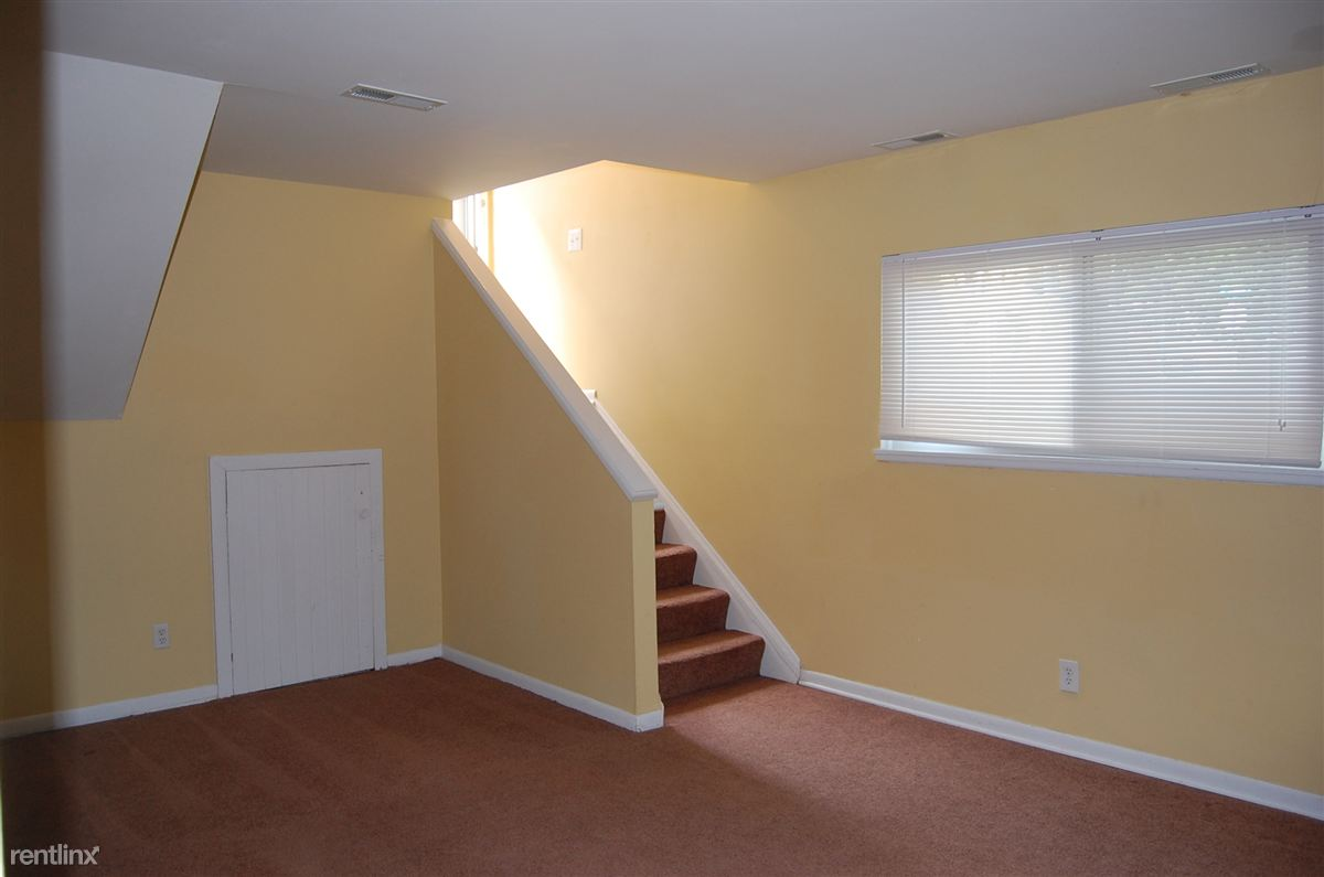 1 Bedroom 1 Bathroom Apartment for rent at 923 S 7th St in Ann Arbor, MI