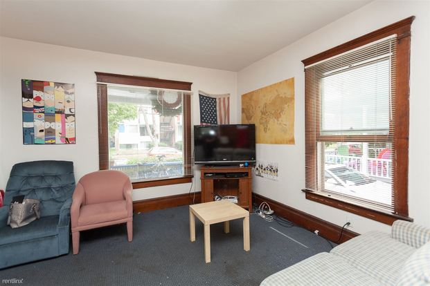 4 Bedrooms 1 Bathroom House for rent at 217 N Thayer St in Ann Arbor, MI