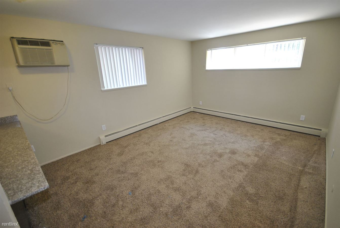 2 Bedrooms 1 Bathroom Apartment for rent at 527 S 4th Ave in Ann Arbor, MI