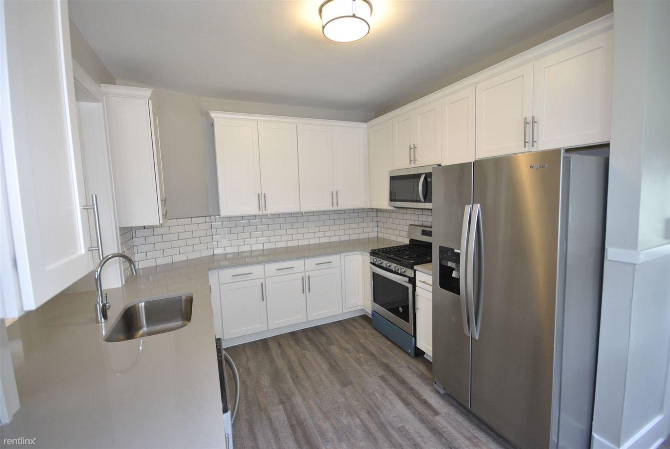 5 Bedrooms 2 Bathrooms Apartment for rent at 800 S Main St in Ann Arbor, MI