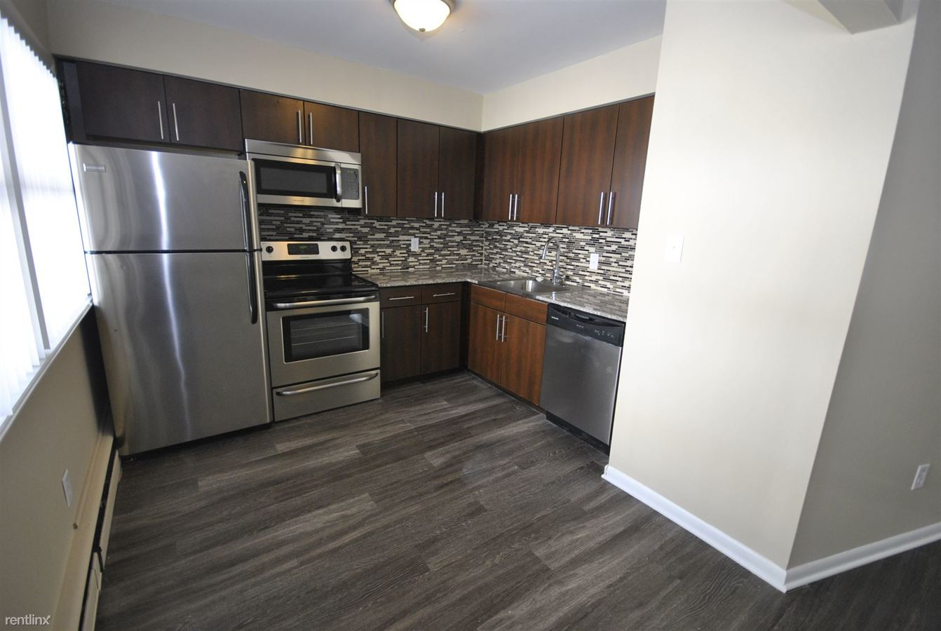 2 Bedrooms 1 Bathroom Apartment for rent at 727 E Kingsley St in Ann Arbor, MI