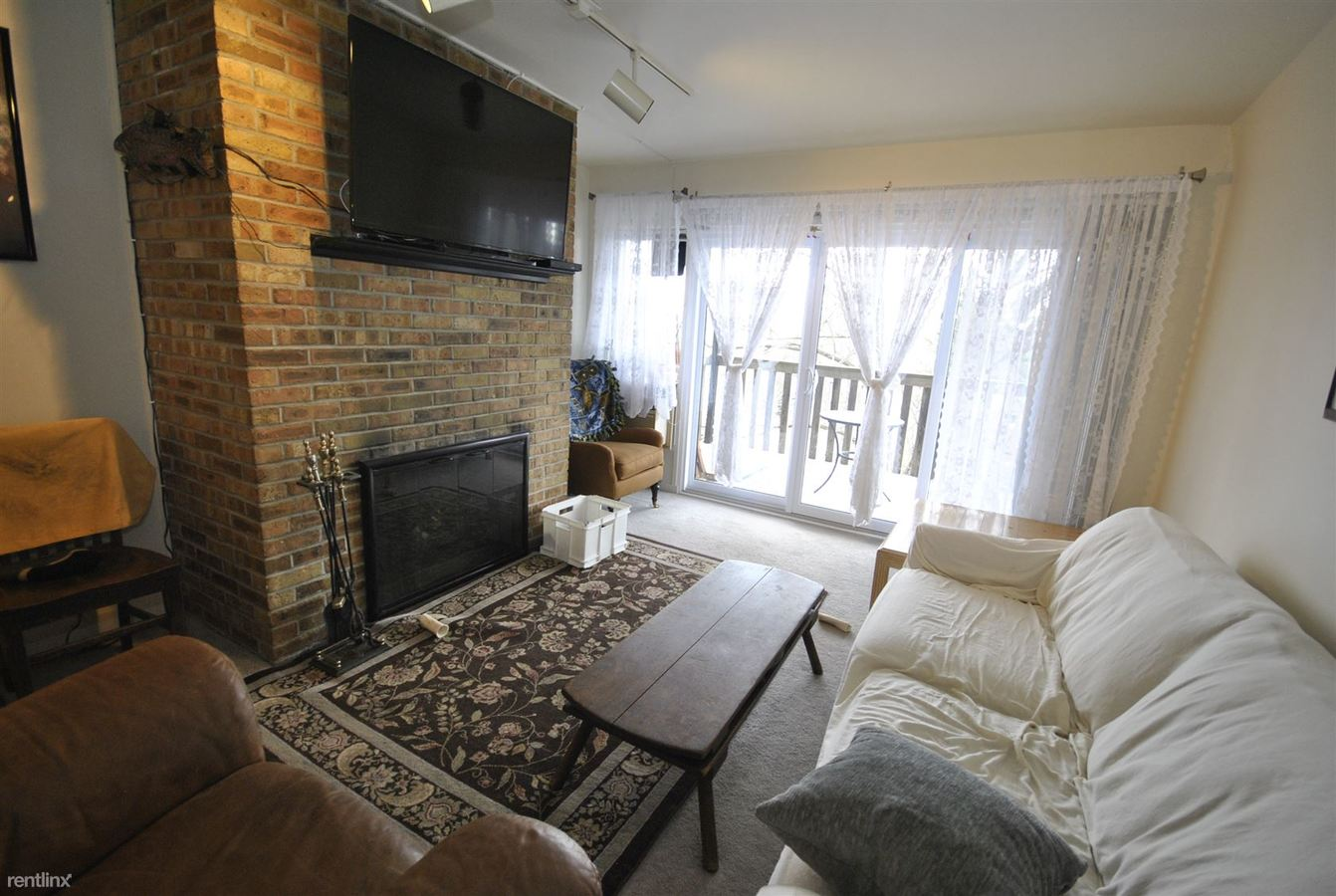 2 Bedrooms 1 Bathroom Apartment for rent at 723 W Madison St in Ann Arbor, MI
