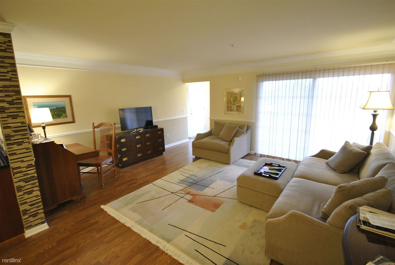 2 Bedrooms 2 Bathrooms House for rent at 124 W. Oakbrook 4 Month Corporate Housing Lease in Ann Arbor, MI