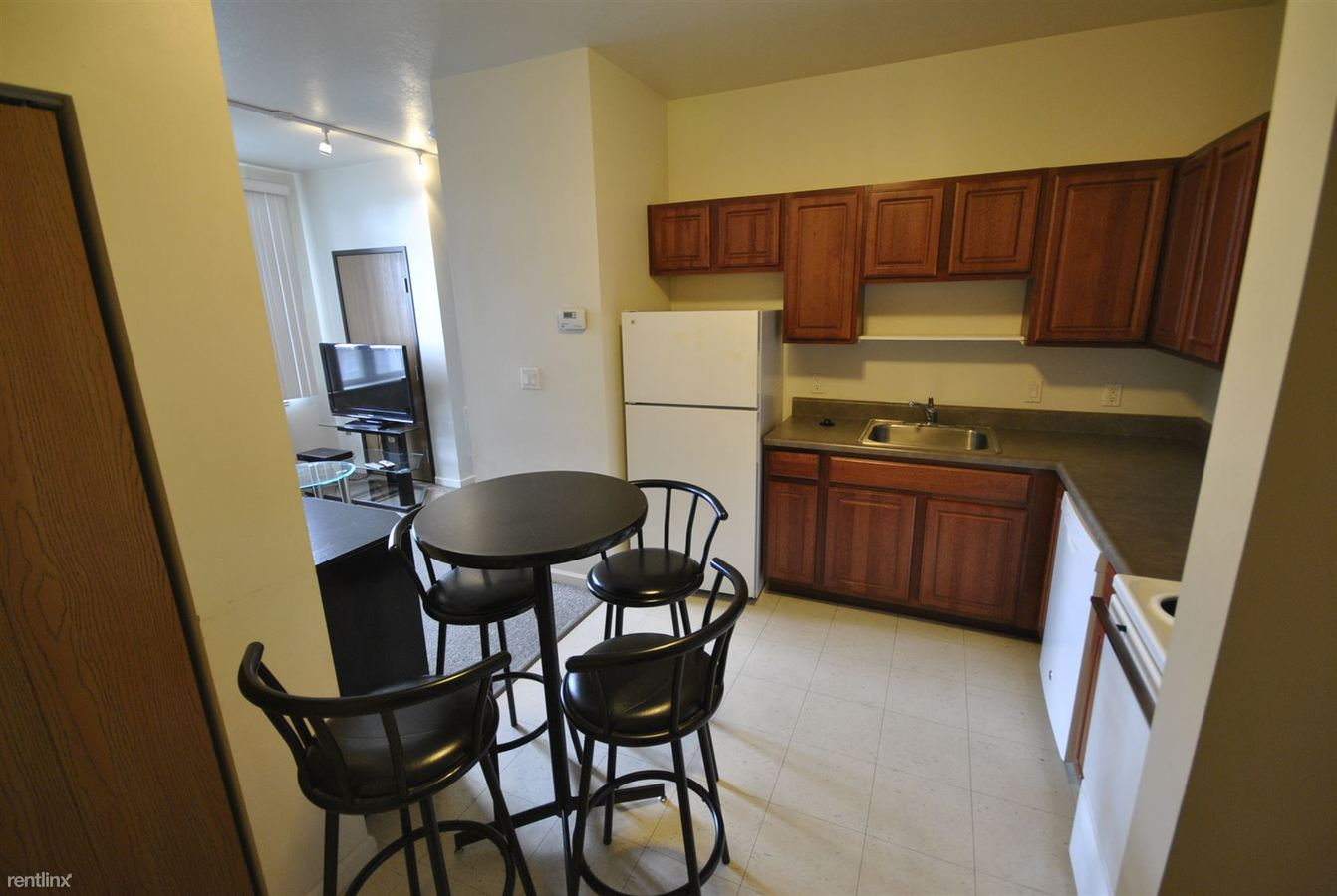 3 Bedrooms 1 Bathroom Apartment for rent at Corner House Apartments in Ann Arbor, MI