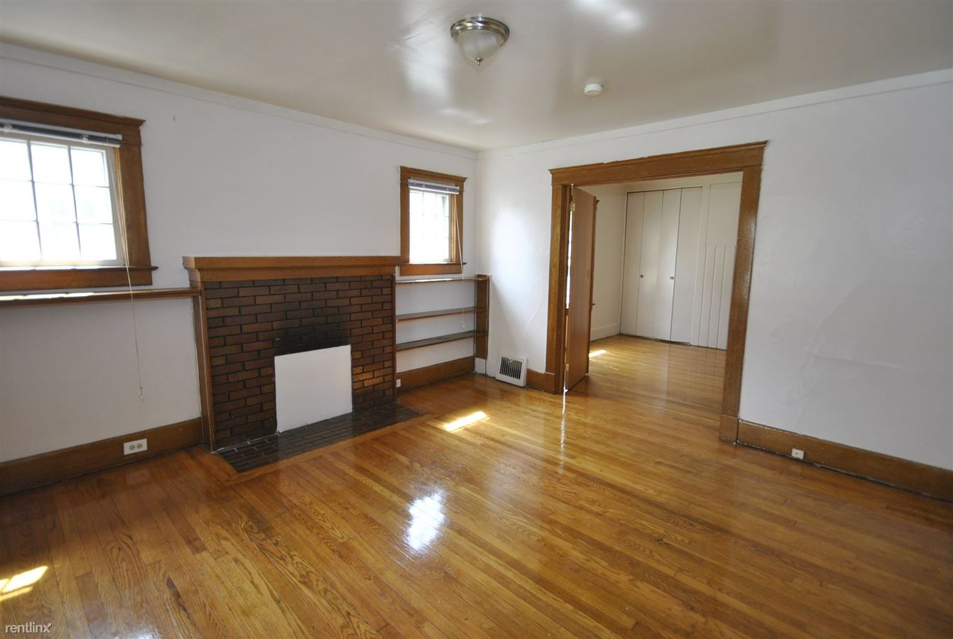 1 Bedroom 1 Bathroom Apartment for rent at 912 Sybil St in Ann Arbor, MI