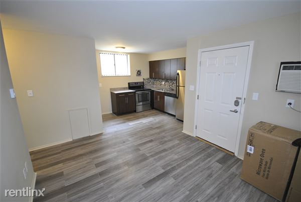 2 Bedrooms 1 Bathroom Apartment for rent at 307 Packard St in Ann Arbor, MI
