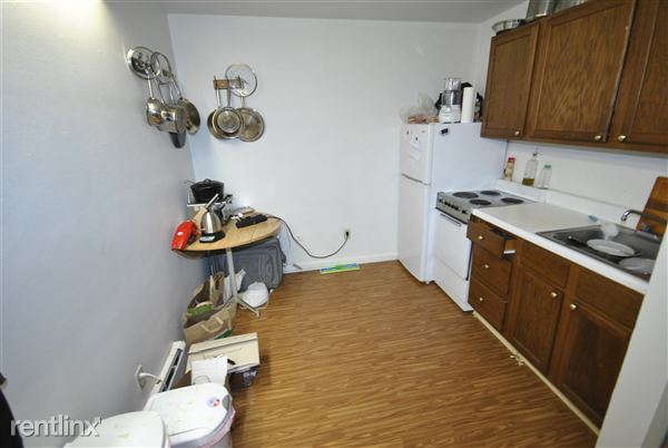 Studio 1 Bathroom Apartment for rent at 551 S 4th Ave in Ann Arbor, MI