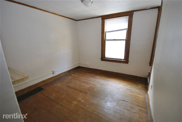 2 Bedrooms 1 Bathroom House for rent at 547 S 4th Ave in Ann Arbor, MI