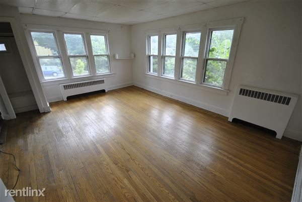 1 Bedroom 1 Bathroom Apartment for rent at 805 Spring St in Ann Arbor, MI