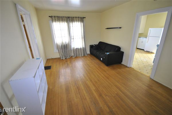 1 Bedroom 1 Bathroom Apartment for rent at 324 E Jefferson St in Ann Arbor, MI