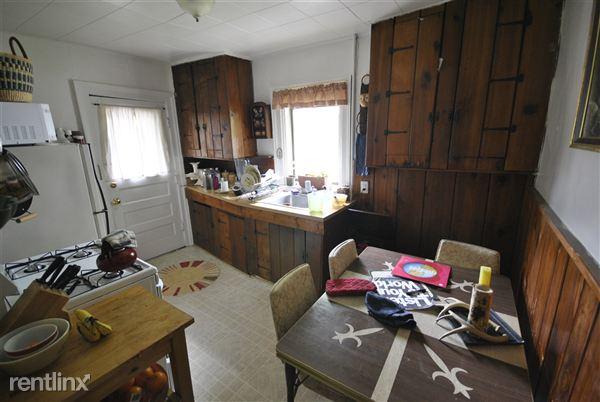 1 Bedroom 1 Bathroom Apartment for rent at 324 E Jefferson St in Ann Arbor, MI