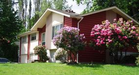 Similar Apartment at Nice House 4br/2.5 Bat At North Burien