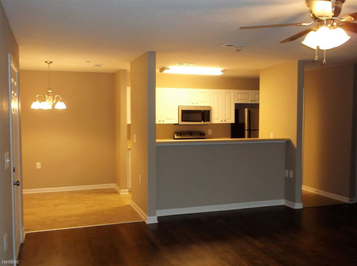 2 Bedrooms 2 Bathrooms Apartment for rent at Arbor Village in Muscle Shoals, AL