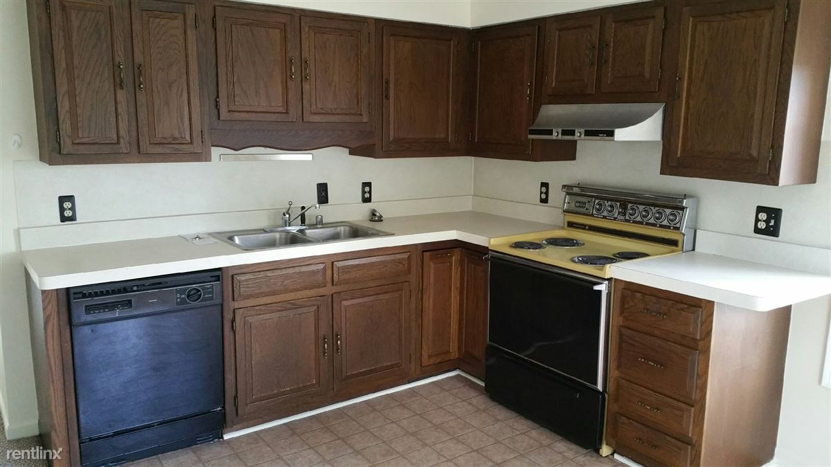2 Bedrooms 1 Bathroom Apartment for rent at 315 N Mill St in Plymouth, MI
