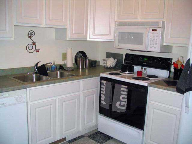 4 Bedrooms 2 Bathrooms House for rent at 435 W Doty St in Madison, WI