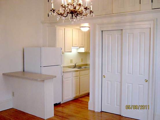 Studio 1 Bathroom House for rent at 104 E Gilman St in Madison, WI