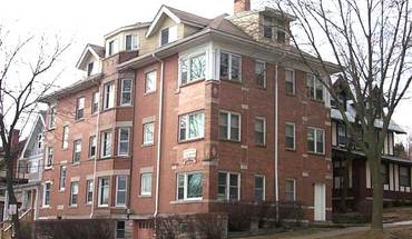 Similar Apartment at 151 E Gilman St