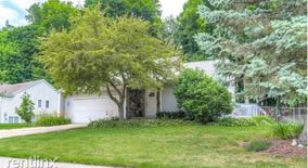 8683 Woodhaven Dr Sw