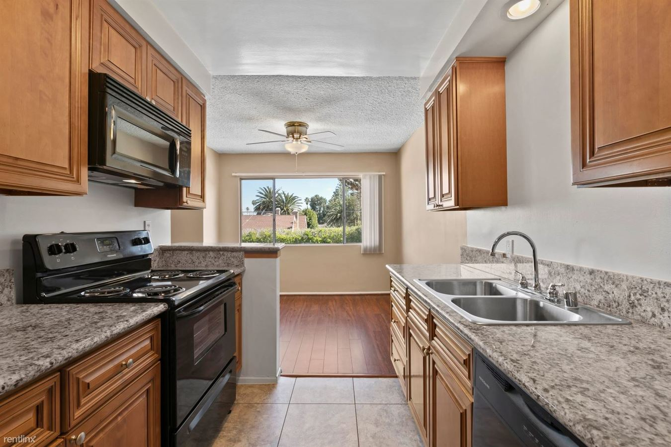 2 Bedrooms 2 Bathrooms Apartment for rent at White Oak Terrace in Encino, CA