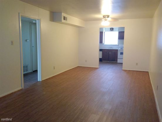 2 Bedrooms 1 Bathroom Apartment for rent at Townshire Manor in Bryan, TX