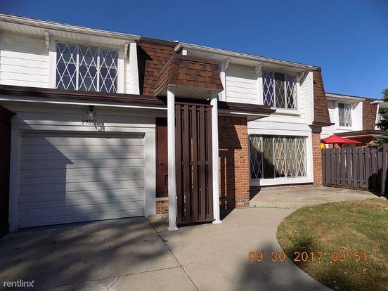 3 Bedrooms 1 Bathroom House for rent at 29833 City Center Dr in Warren, MI