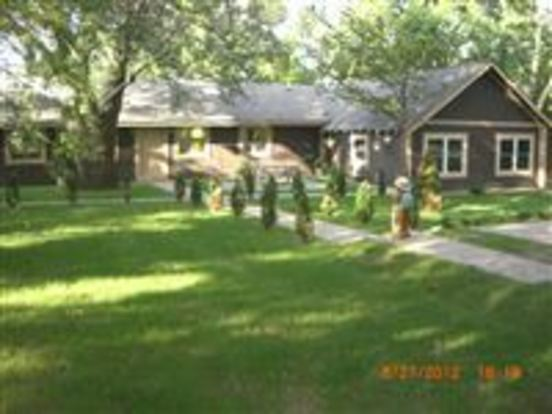 3 Bedrooms 2 Bathrooms House for rent at 185 E Square Lake Rd in Troy, MI