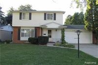 4 Bedrooms 1 Bathroom House for rent at 38525 Covington Dr in Sterling Heights, MI