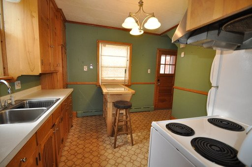 3 Bedrooms 2 Bathrooms Apartment for rent at 4319 Russell Ave N in Minneapolis, MN