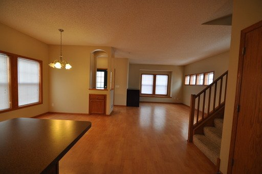 3 Bedrooms 3 Bathrooms Apartment for rent at 1213 Fremont Ave N in Minneapolis, MN