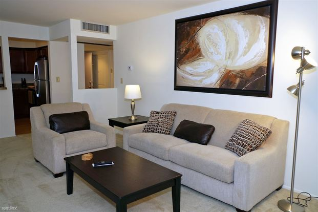 1 Bedroom 1 Bathroom Apartment for rent at Value Suites @ Somerset Park (new Renovation) in Troy, MI