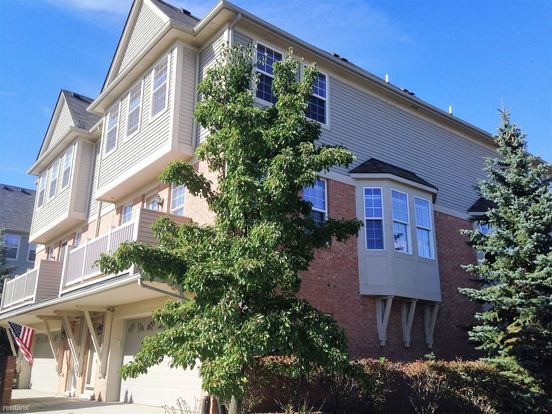 1 Bedroom 2 Bathrooms House for rent at Value Suites At Cascades Of Stoney Creek in Shelby Township, MI