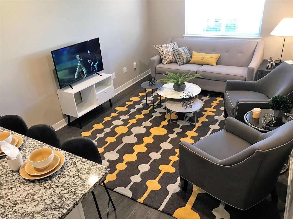 2 Bedrooms 2 Bathrooms Apartment for rent at Sterling Landings - Furnished/turnkey in Sterling Heights, MI