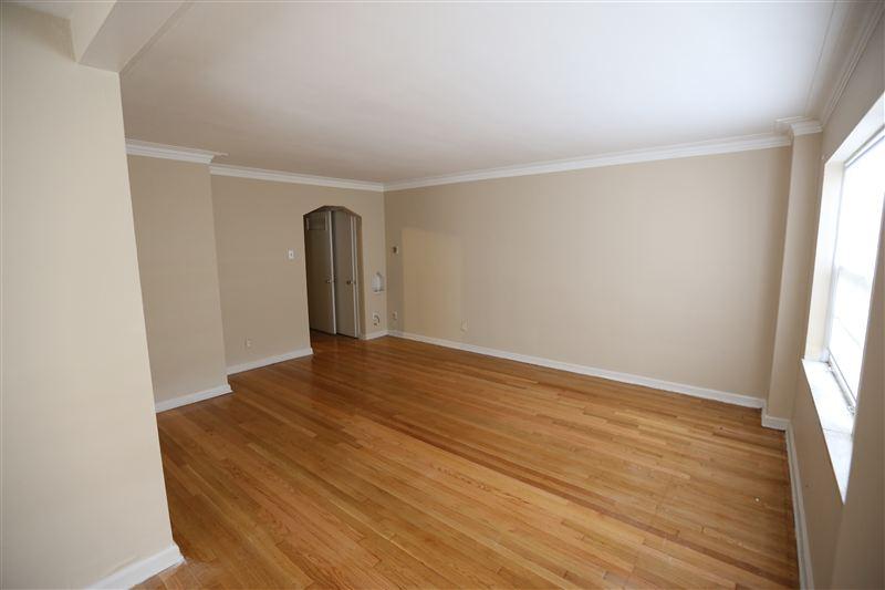 1 Bedroom 1 Bathroom Apartment for rent at Palmer Park Plaza in Detroit, MI