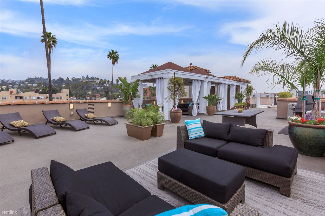 1 Bedroom 1 Bathroom Apartment for rent at Hollywood View Towers in Los Angeles, CA