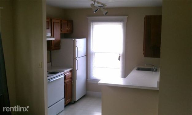 1 Bedroom 1 Bathroom House for rent at 2332 Beechmont Ave in Cincinnati, OH