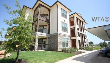 Similar Apartment at 9520 Spectrum Dr