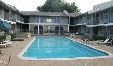 Similar Apartment at 1020 E 45th St