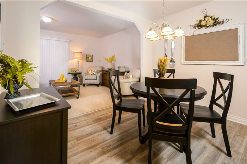 3 Bedrooms 2 Bathrooms Apartment for rent at Blue Heron Pointe Townhomes in Ypsilanti, MI