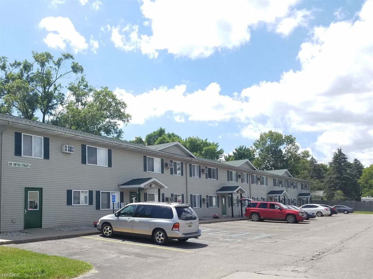 2 Bedrooms 1 Bathroom Apartment for rent at Brookwood Springs Apartments in Clare, MI
