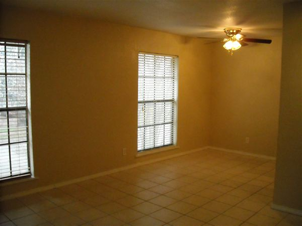 2 Bedrooms 1 Bathroom Apartment for rent at Brenham Hills Apartments in Brenham, TX
