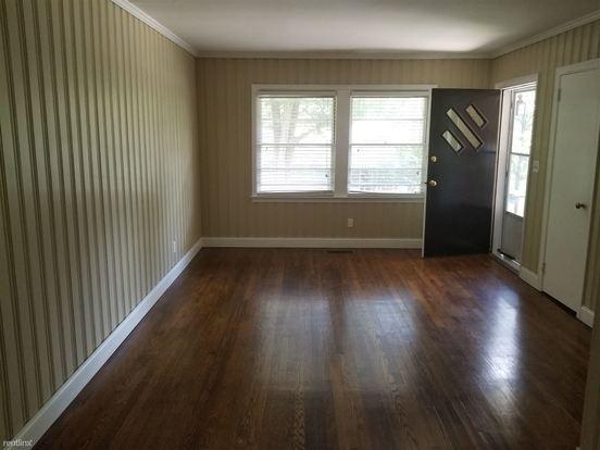 2 Bedrooms 1 Bathroom House for rent at 2069 Arlington Ave Ne in Atlanta, GA