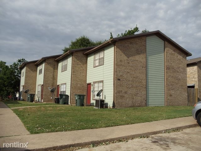 2 Bedrooms 1 Bathroom Apartment for rent at 1906 Barak Ln in Bryan, TX