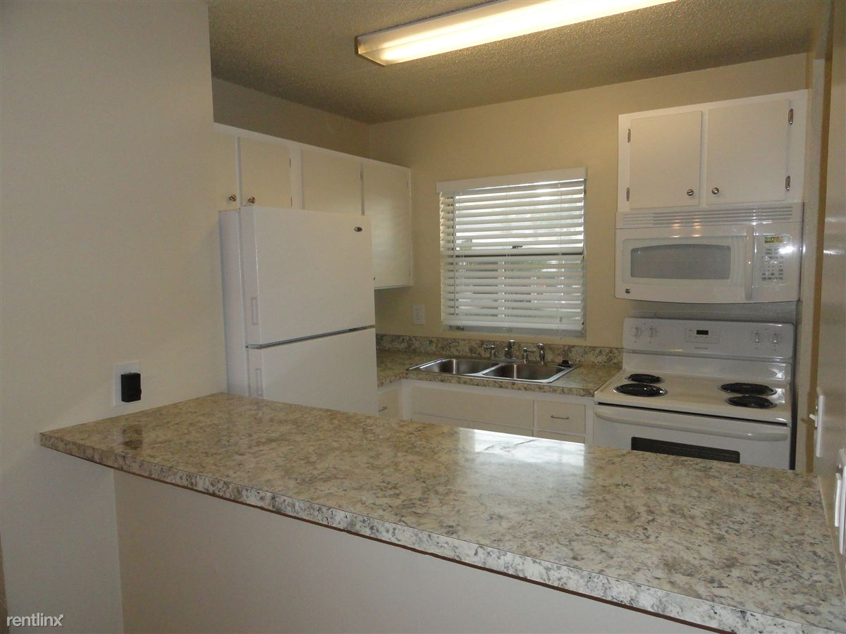 2 Bedrooms 1 Bathroom Apartment For Rent At Beachside Apartments In Daytona  Beach, FL