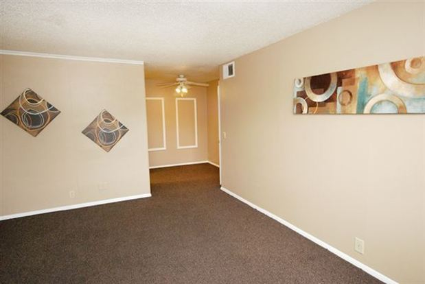 1 Bedroom 1 Bathroom Apartment for rent at Evergreen Apartments in Tulsa, OK