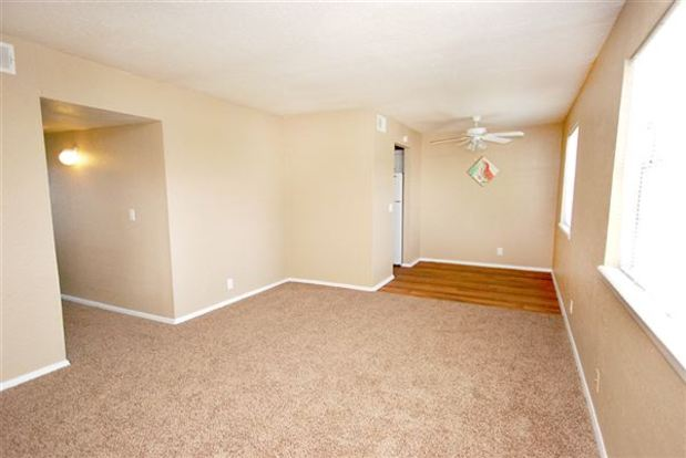 2 Bedrooms 2 Bathrooms Apartment for rent at Evergreen Apartments in Tulsa, OK