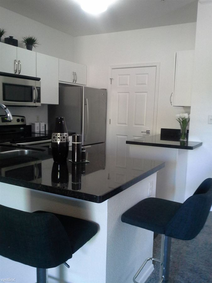 2 Bedrooms 2 Bathrooms Apartment for rent at River Walk in Phoenix, AZ