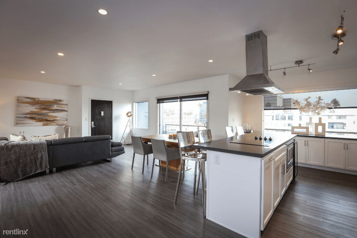 3 Bedrooms 2 Bathrooms Apartment for rent at One Thirty One Maple in Beverly Hills, CA
