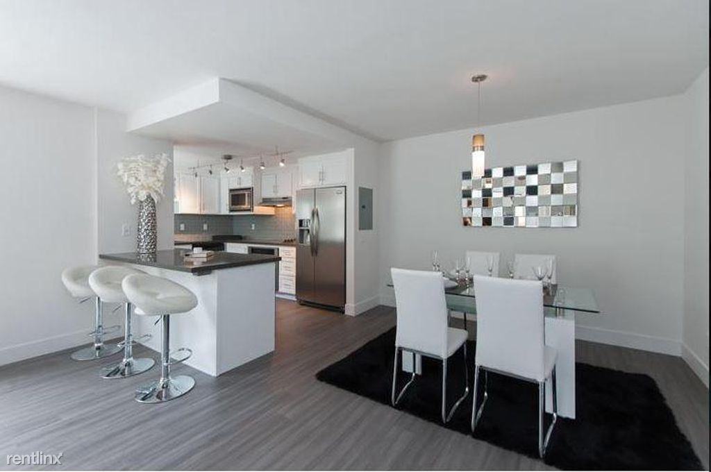 1 Bedroom 1 Bathroom Apartment for rent at One Thirty One Maple in Beverly Hills, CA